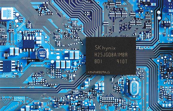 SK하이닉스가 개발한 96단 4D 낸드 기반 1Tb QLC_2.jpg