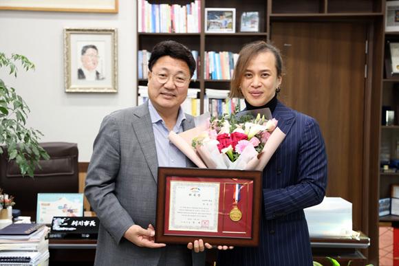 세계적인 드럼 연주자 리노 문화예술 홍보대사로 위촉 (1).jpg